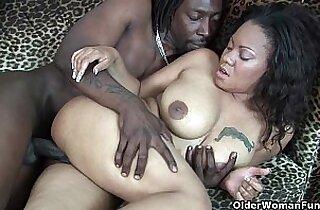 Ebony takes cumshot