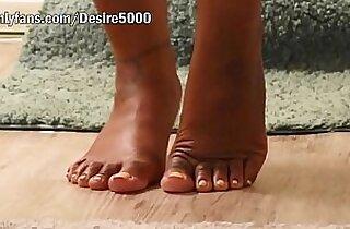 Bathroom with pretty feet