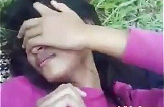 Maine Apni Desi Indian Girlfriend ko Khet Mein Choda